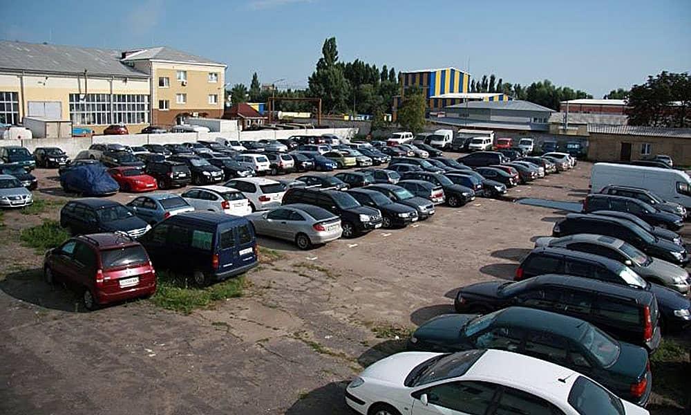 Фото парковки в Домододево